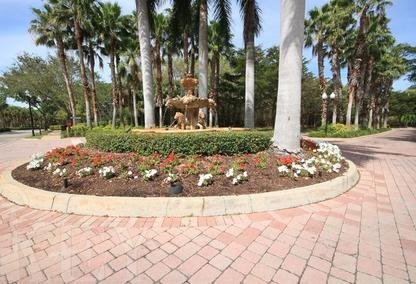 The Colony at Pelican Bay fountain